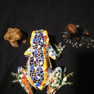 Set of 3 decorative frogs